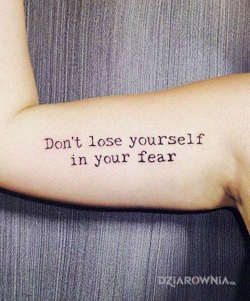 Tatuaż ty i twój strach - napisy