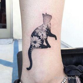 Kot w kwiaty