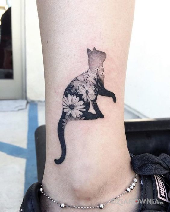 Tatuaż Kot W Kwiaty Autor Dorota Swana Dziarowniapl