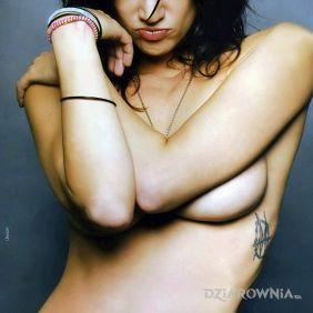 Asia Argento - Tatuaż Anioł