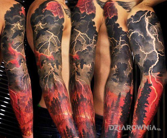 Tatuaż czerwona burza - rękawy