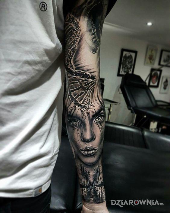 Tatuaż nic dna - realistyczne