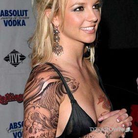 Britney Spears - prawy rękaw
