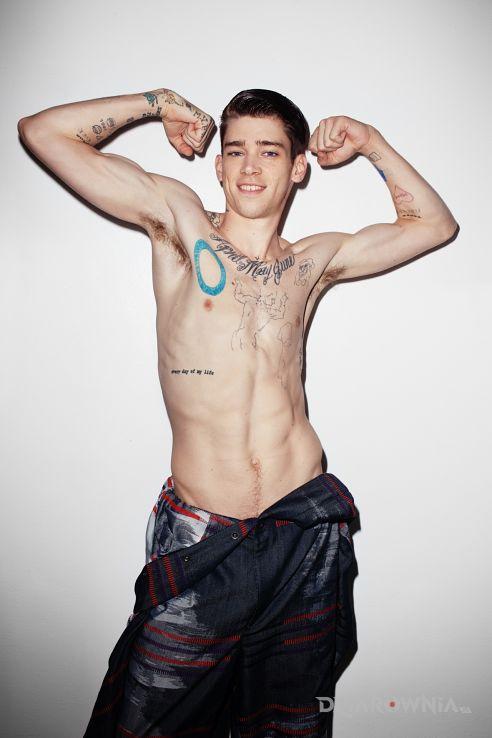 Tatuaż herklues cole mohr z tatuażami - sławnych osób