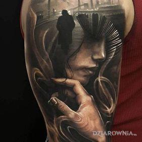 Tatuaże 3D, twarz wśród fabryk, dziara dla mężczyzn