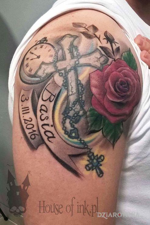 Tatuaż Krzyż Z Banerami Zegarem I Różą Autor Mateusz