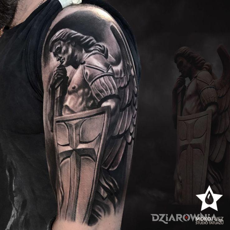 Tatuaż święty Michał Archanioł Autor Mokotusz Dziarowniapl