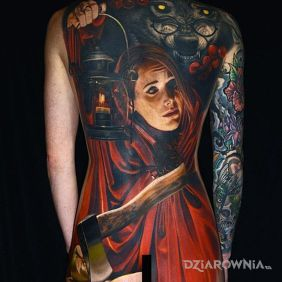 Tatuaże 3D, czerwony kapturek, dziara dla kobiet