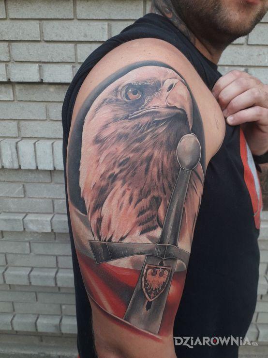 Tatuaż patriotycznie - patriotyczne