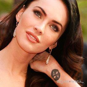 Megan Fox - tatuaż znak