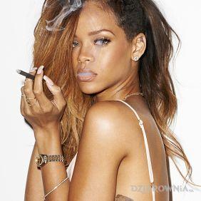 Rihanna - tatuaż w formie postaci