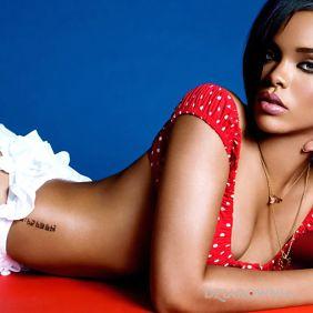 Rihanna - piękna Riki z lekko zakrytą dziarą