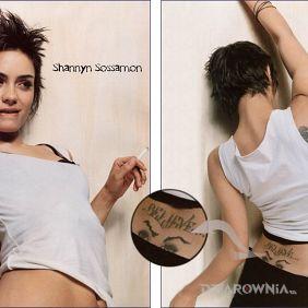 Shannyn Sossamon - oczy na plecach + napis believe