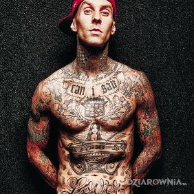 Travis Barker w tatuażach