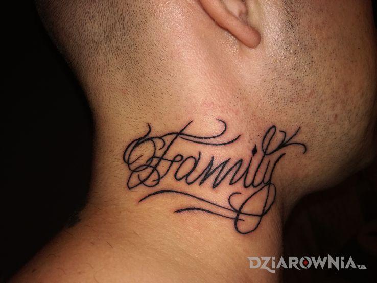 Tatuaże napisy, rodzina, dziara dla mężczyzn