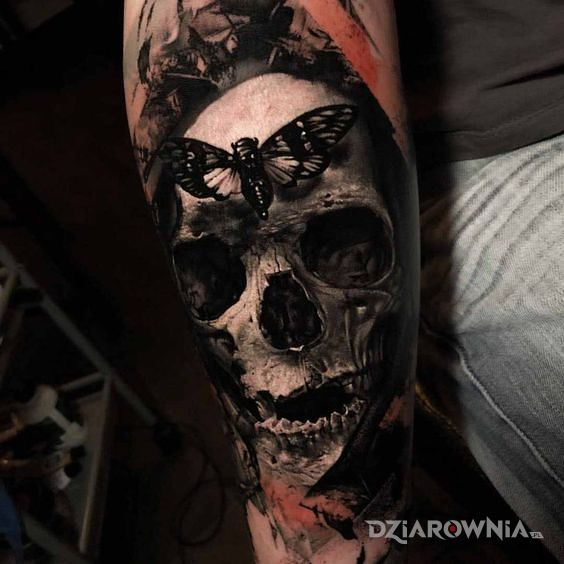 Tatuaż cykada - czaszki