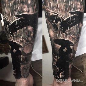 Tatuaże postacie, para, dziara dla mężczyzn