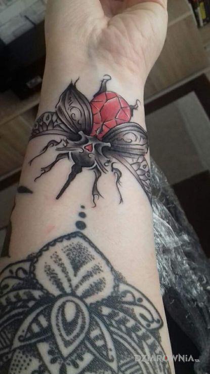 Tatuaż Skarabeusz Autor Mija Dziarowniapl