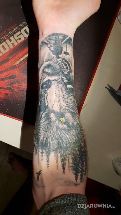 Tatuaż wilki i las - zwierzęta