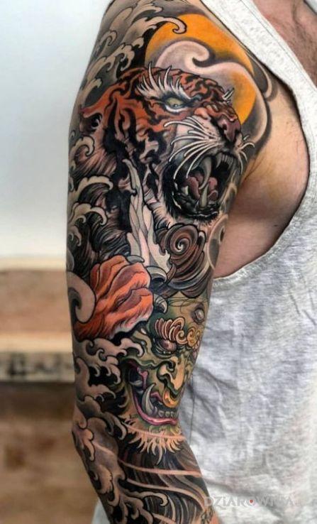 Tatuaż cos po japonsku - kolorowe