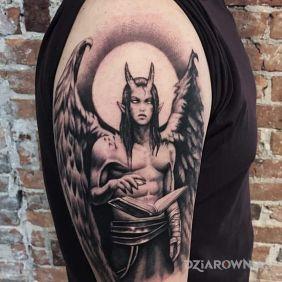 Tatuaze Postacie Wzory I Galeria Dziarownia Pl