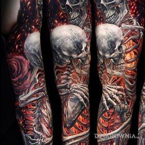 Szkielety w objęciach