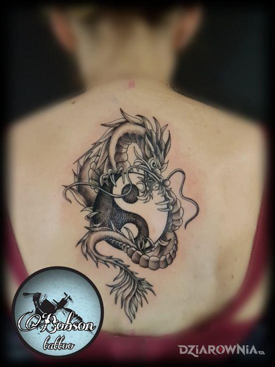Tatuaż smok z yin yang - zwierzęta