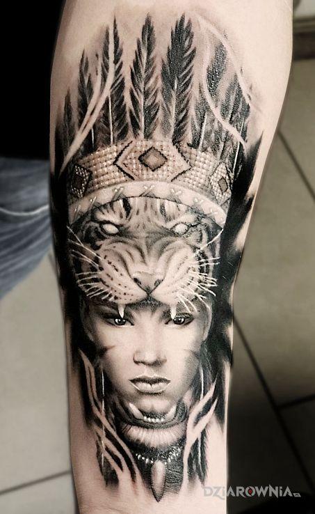 Tatuaż indianka - realistyczne