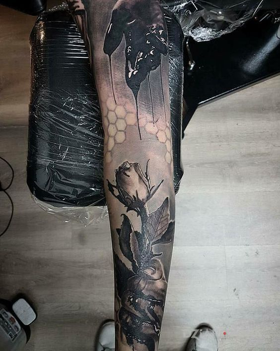 Tatuaż krwawy kwiat - realistyczne