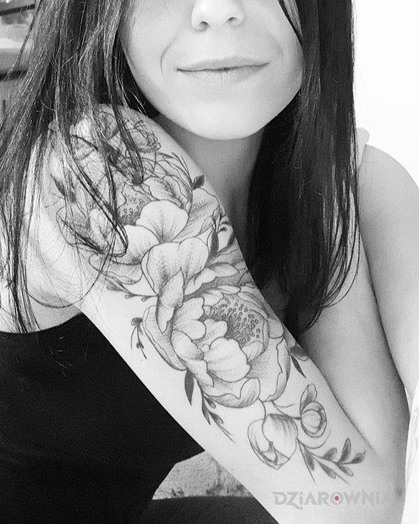 Tatuaż kwiaty - kwiaty