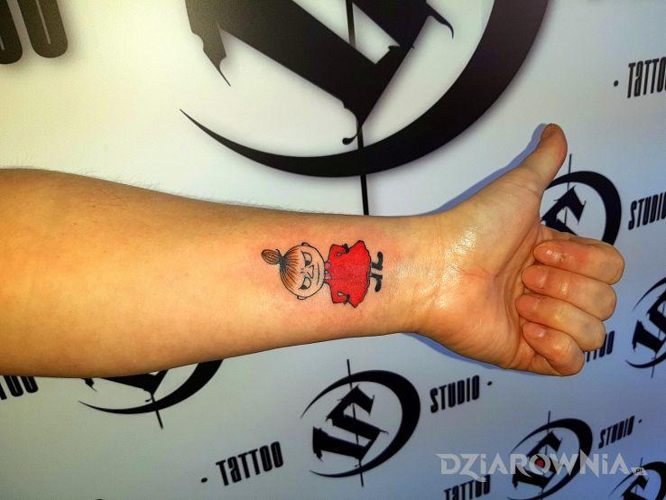 Tatuaż mała mi - postacie