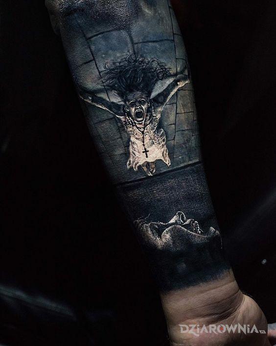 Tatuaż opętana dziewczynka - realistyczne