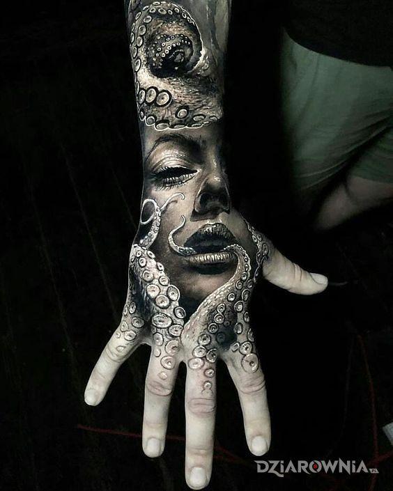 Tatuaż w mackach - 3D