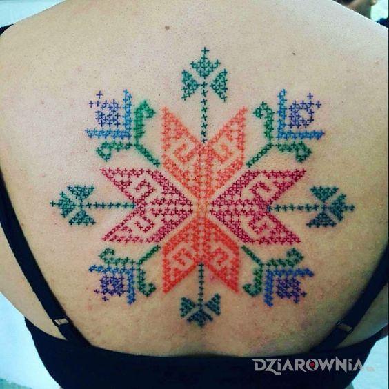 Tatuaż kolorowy wzorek - kolorowe