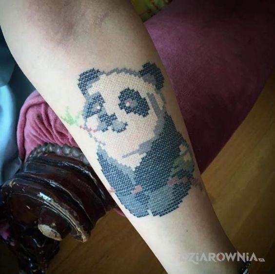 Tatuaż urocza panda - zwierzęta