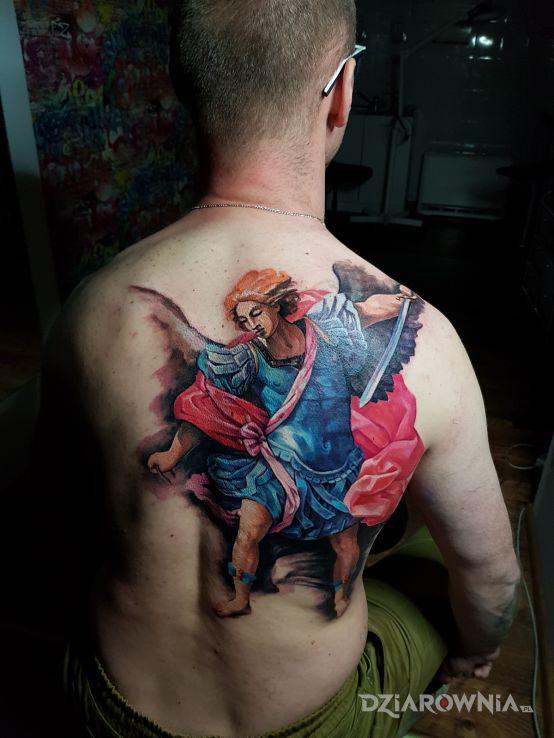 Tatuaż anioł - realistyczne