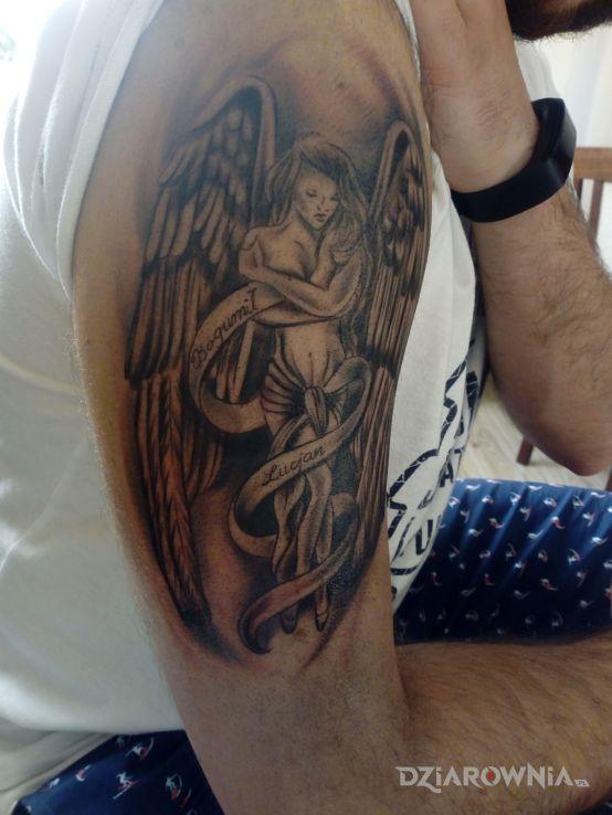 Tatuaż Anioł Stróż Autor Artur Bartczak Dziarowniapl